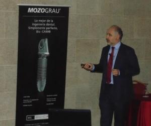dr durante su conferencia